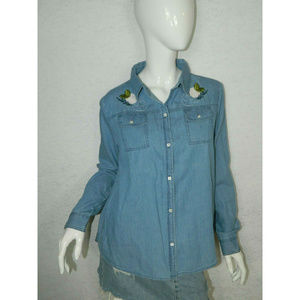 Box Lunch Shirt Blue Embroidered Button Down Sz M